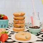 BREAKFAST CLUB: Greek Yogurt Baked Donuts (or holes) Recipe