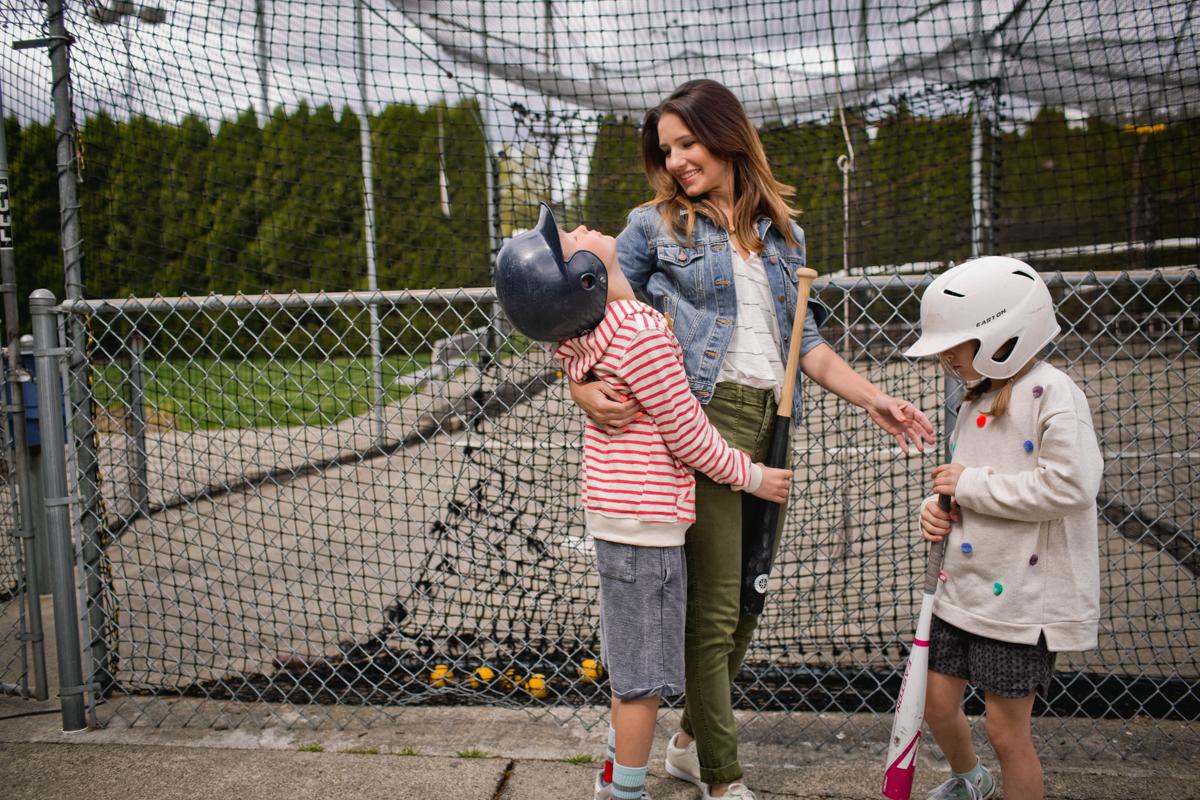 mom + mini baseball-470